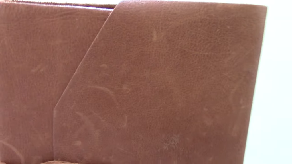 Leather Journal Review 1 30 screenshot