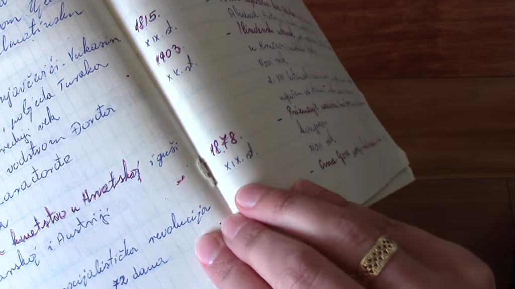 Vintage Notebook 2 4 screenshot