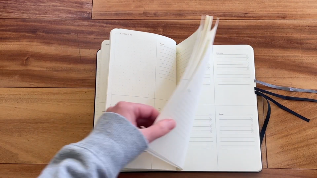 Moleskine Pro Project Planner Review and Flip Through 6 23 screenshot